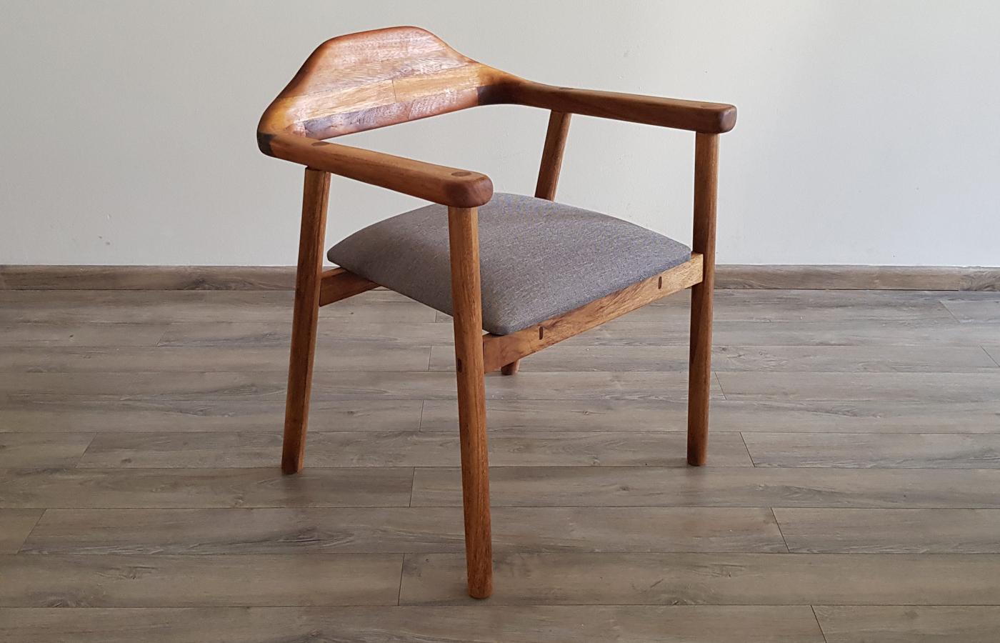 PAROTAS sillas de madera y asientos a la medida